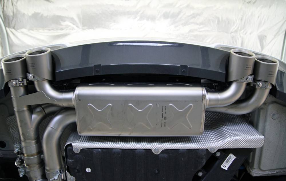 Sistema escape Akrapovic Evolution BMW 1M